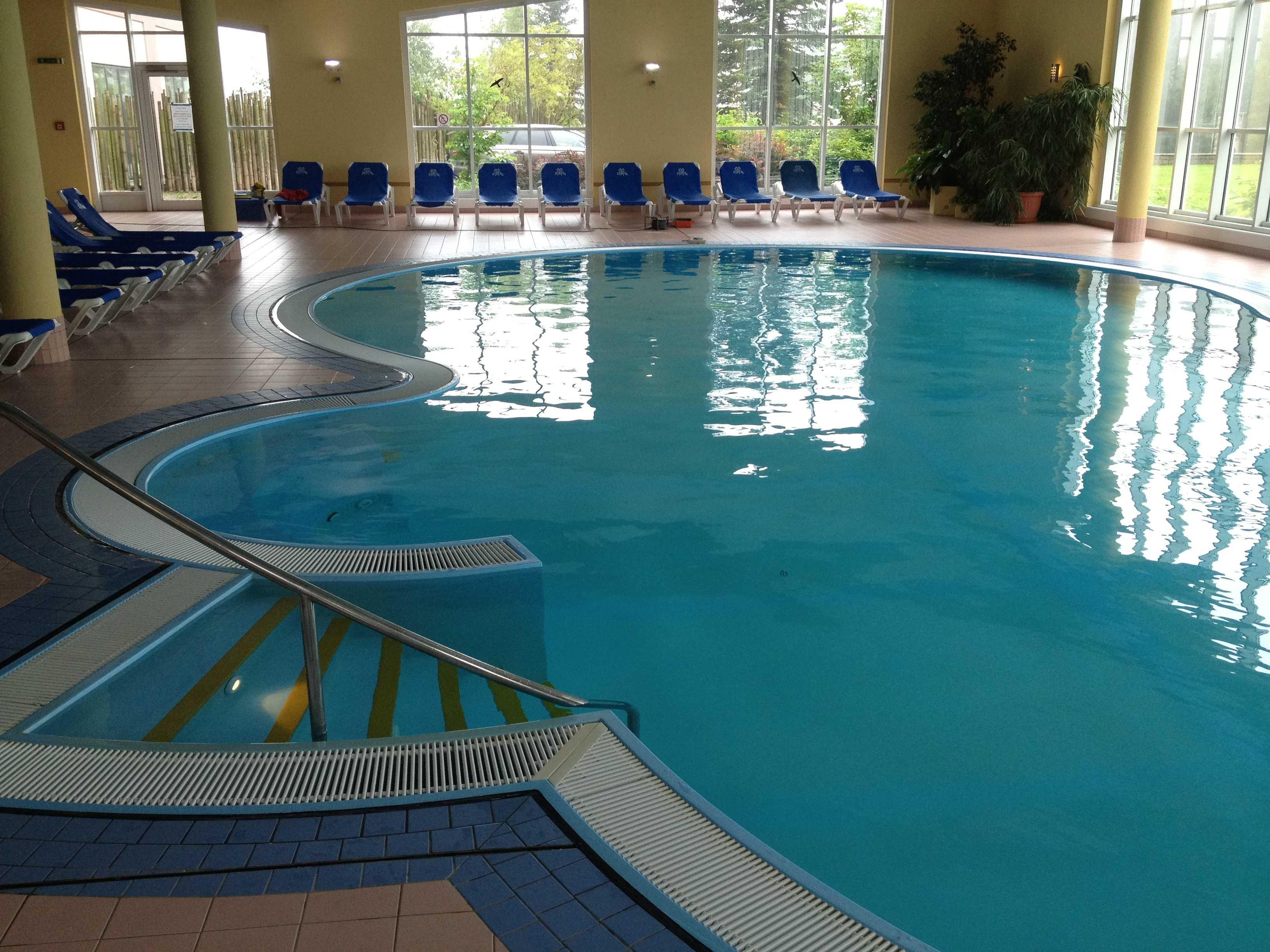 Schwimmbadsanierung grimm verfugungs und beschichtungs for Schwimmbadsanierung